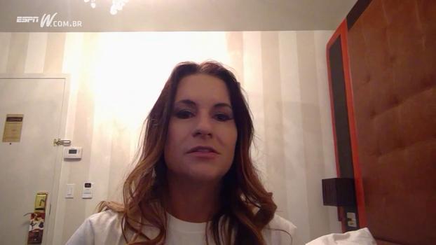 Jen Welter manda recado para leitoras do Linha Ofensiva