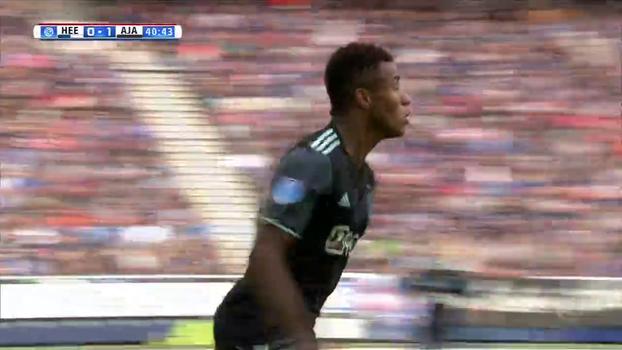 Titular, David Neres faz 2 gols em 4 minutos e abre as portas para vitória do Ajax; VEJA o show do brasileiro