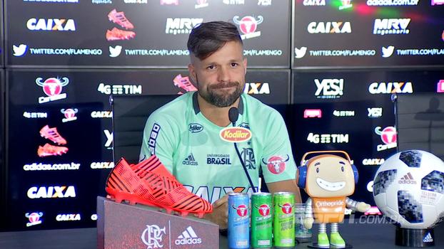 Diego chama torcida do Flamengo e fala na possibilidade de título: 'Merecemos'
