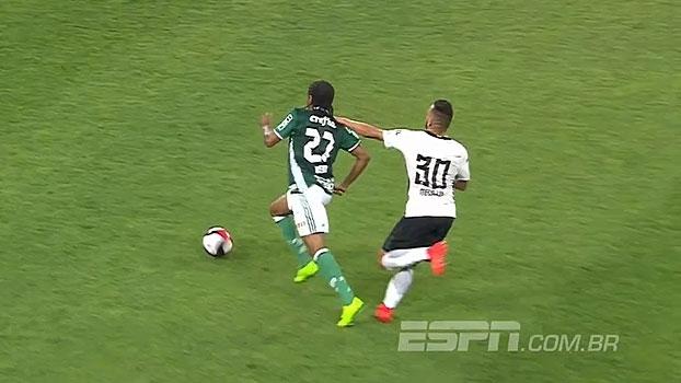VEJA o lance da expulsão polêmica de Gabriel diante do Palmeiras