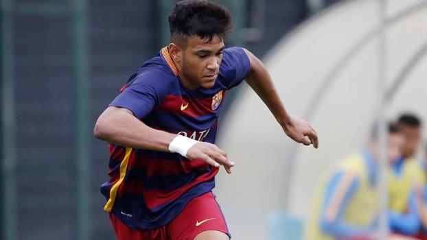 Jovem promessa do Barcelona anota gol espetacular e narrador se descontrola