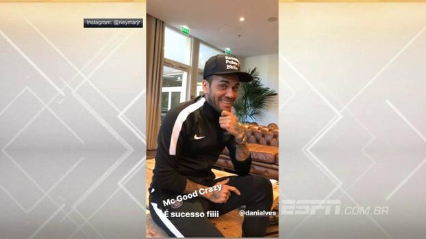 'Ser solteiro é do c****'; Dani Alves vira Mc Good Crazy, canta novo hit e arranca risadas de Neymar