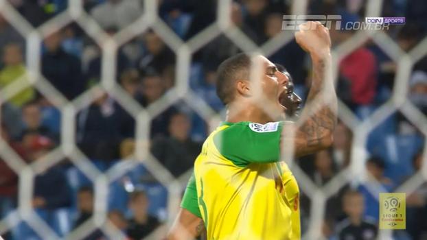 Diego Carlos faz golaço de falta, Nantes vence e sobe da 15ª para a 8ª colocação