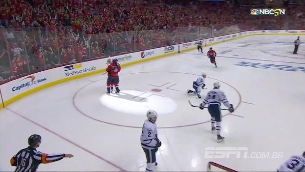 Na prorrogação, Capitals vencem Leafs e abrem 3 a 2 na série