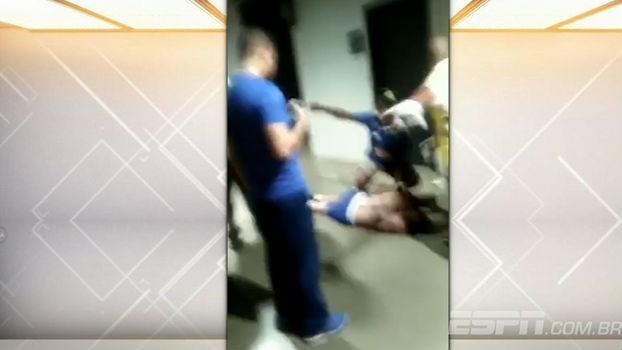 Bate Bola mostra imagens de torcedor caído no Mineirão e seguranças tentando impedir filmagem com ce