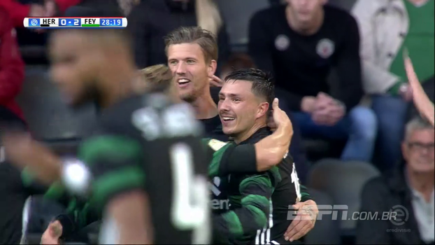 Feyenoord vence o quarto jogo seguido, segue 100% e lidera na Holanda