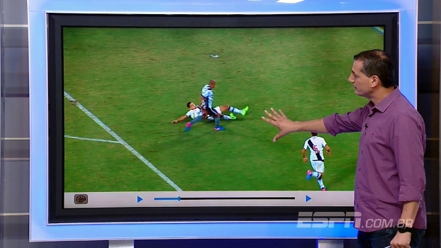 Sálvio analisa lances de mão na bola na área em Botafogo x Vasco: 'Não marcaria nenhum'