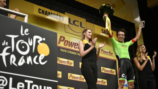 Marcada por queda feia, 9ª etapa do Tour de France é decidida no photo finish