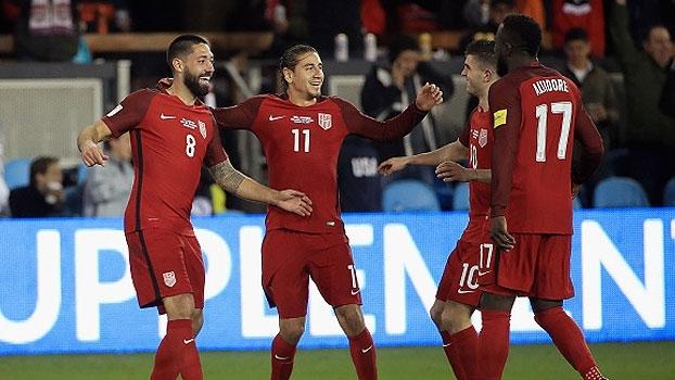 Dempsey anota hat-trick, Estados Unidos atropelam Honduras e vencem primeira Eliminatórias