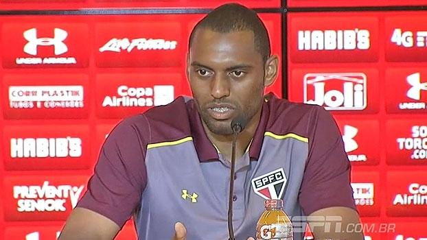 Com chances de estrear no São Paulo, Douglas comenta ansiedade: 'Minha hora vai chegar'