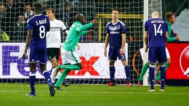 Fora de casa, St-Étienne vira sobre Anderlecht e 'rouba' liderança do Grupo C da UEFA Europa League