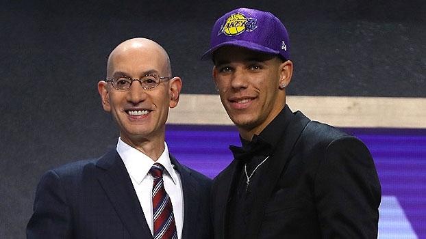 Lonzo Ball é o 2º escolhido do Draft 2017 da NBA, pelos Lakers, e o pai promete: 'Vamos aos playoffs