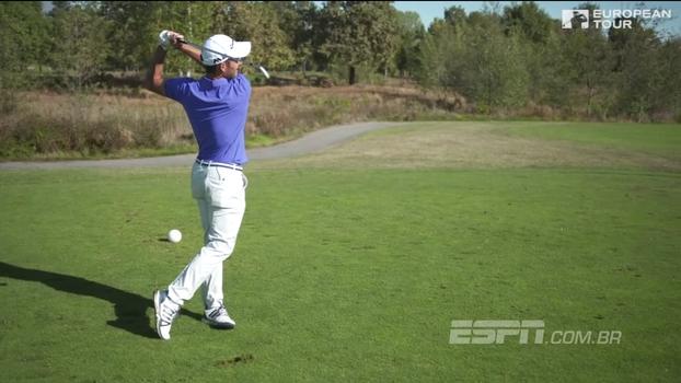Em desafio, golfista italiano tem 500 tacadas para tentar um hole in one em buraco a 132 metros