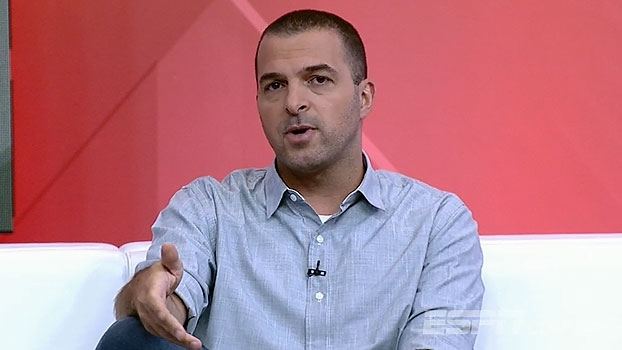 Zé Elias questiona 'experiências' de Carille com reservas e avalia: 'Falou impor um ritmo'