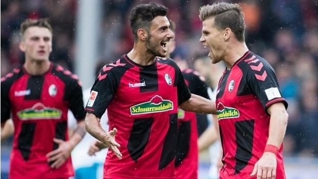 Assista aos melhores momentos da vitória do Freiburg sobre o Schalke 04 por 2 a 0