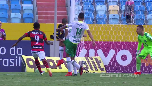Árbitro matando contra-ataque, capote de Bruno Silva e quase gol contra de Fabrício; veja os piores lances da rodada