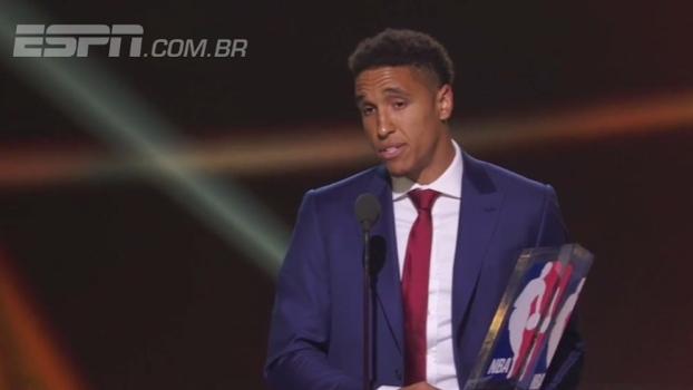 Calouro do ano da NBA dedica prêmio a jogadores subestimados; veja o discurso