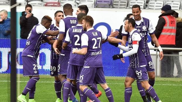 Xô, má fase! Após 5 derrotas seguidas, Toulouse goleia Angers pelo Francês