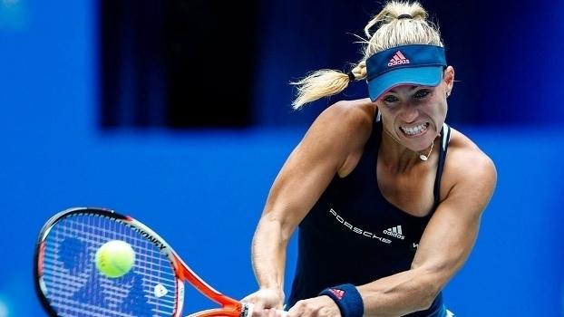 Assista aos lances da vitória de Angelique Kerber sobre Kristina Mladenovic por 2 a 1!