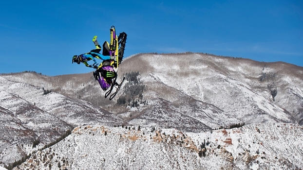 Com nota 93 no final, Joe Parsons leva ouro no Snowmobile Freestyle dos X Games Aspen