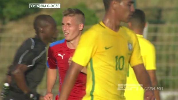 Tempo real: República Tcheca chuta com perigo contra o gol do Brasil