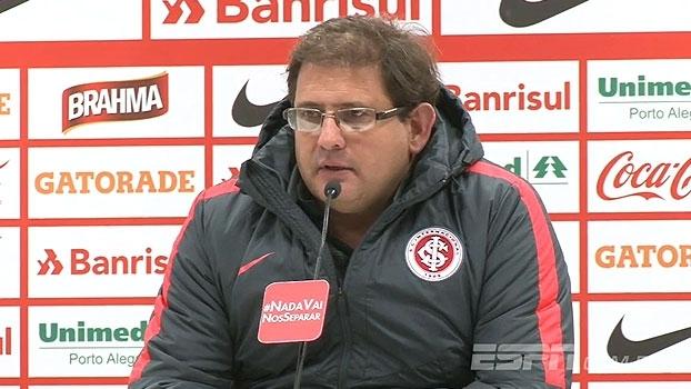 Guto Ferreira lamenta derrota e explica: 'Posse de bola não ganha jogo'