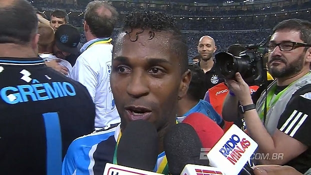 Bolaños cita lesões e destaca importância do gol em sua carreira