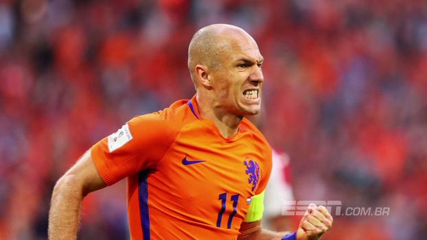 Arrancadas, cortes para a esquerda a chutaços: veja o que a Copa do Mundo perde sem Robben