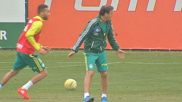 Futuro de Gabriel Jesus, formação com atacante e mais: veja como foi o dia no Palmeiras