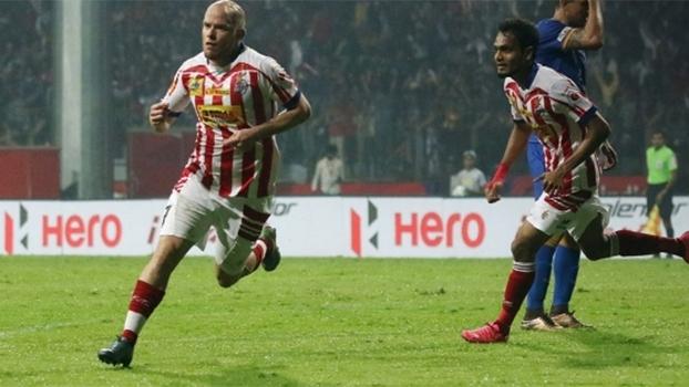 Com gols de Ex-Leicester e Forlán expulso, Kolkata vence Mumbai no Indiano