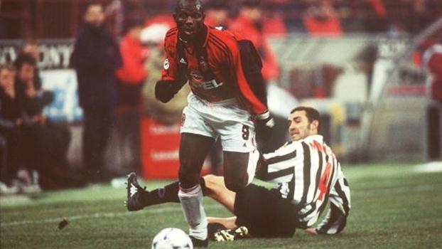 Em 1999, Weah marcou duas vezes e Milan venceu Juventus em Turim