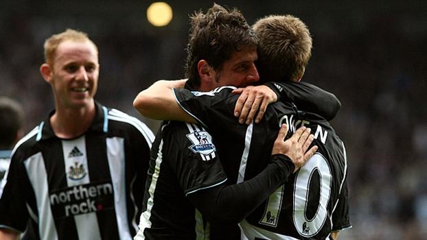 Pinturas, frango e Owen decisivo: relembre o jogaço entre Newcastle e Everton de 2007