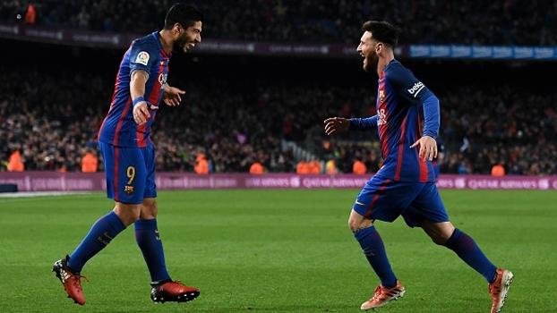Canhotaça de Douglas Costa, 'mágica' de Messi e cobertura de Mertens; os golaços do fim de semana