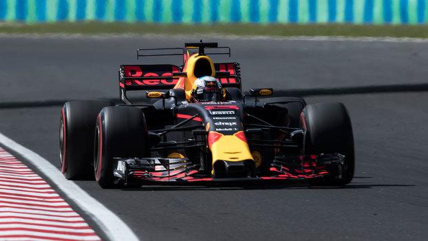 Ricciardo começa treinos livres na frente em Cingapura; Massa é 14º