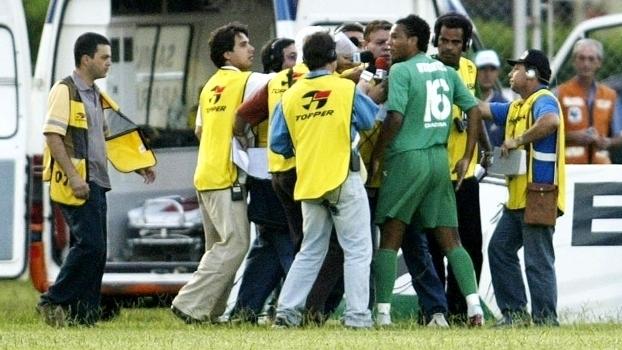 Em 2005, Diego Souza xingou Estevam Soares após ser substituído e acabou afastado do Palmeiras