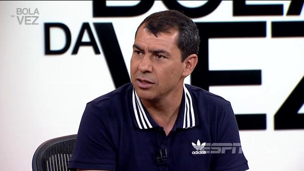 Carille diz que foi mais fácil tirar Jadson do que Maycon do time do Corinthians