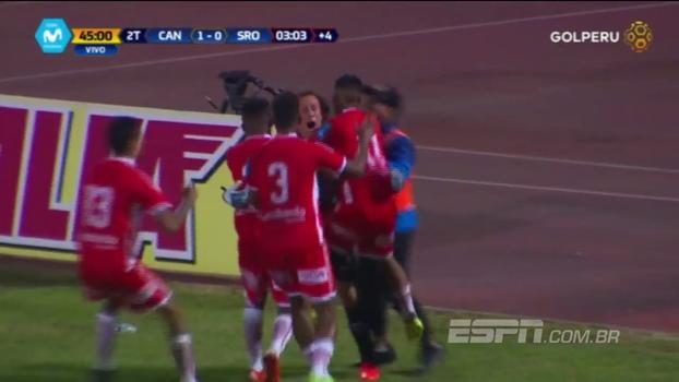 No Peru, goleiro anota golaço de cabeça aos 48 do segundo tempo e conquista empate