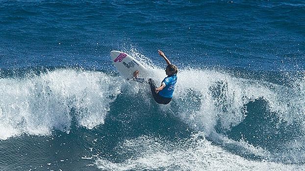 Sally Fitzgibbons desbanca Tyler Wright e vence 2ª etapa do Mundial de Surfe