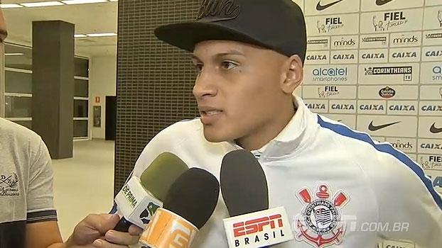 Léo Jabá rebate críticas, se emociona após primeiro gol e brinca: 'Não gostava de cabecear'