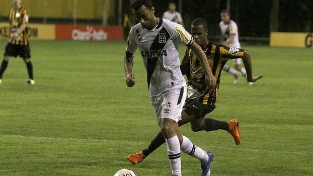 Assista aos gols da vitória do Vasco sobre os Tigres por 2 a 0!