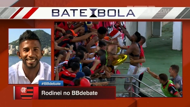 Rodinei fala sobre torcedor que pegou sua camisa e brinca: 'Ofereceram 2 mil reais nela'