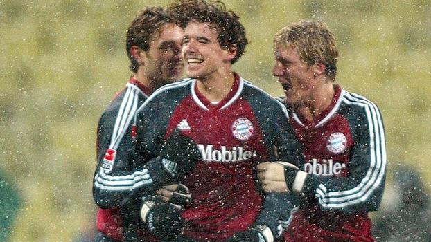 Aos 18 anos, Schweinsteiger brilhou em vitória por 8 a 0 do Bayern sobre o Colônia em 2003