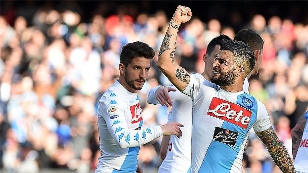 Napoli vence Crotone em casa, mas segue em 3º após triunfo da Roma