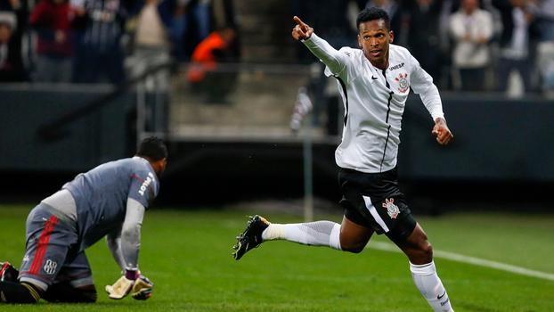 Corinthians tenta conter euforia diante do combalido Atlético-PR