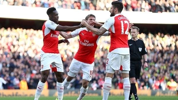Inglês: Gol de Arsenal 1 x 0 Norwich