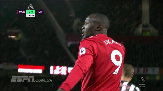 Tempo real: Valencia cruza, e Lukaku quase abre o placar em Old Trafford!