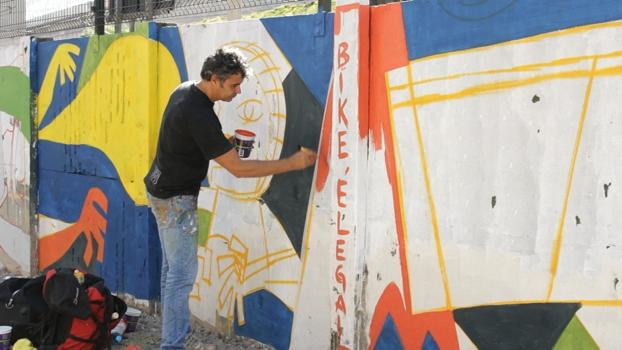 Ao longo de ciclovia, São Paulo recebe o maior grafite da América Latina