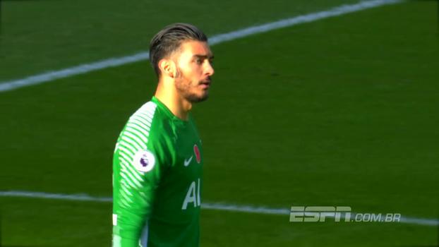Goleiro do Tottenham rouba a cena em estreia e é eleito o jogador da 11ª rodada da Premier League
