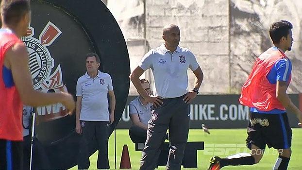 Demora na coletiva, jogadores de 'consciência tranquila' e mais no dia do Corinthians