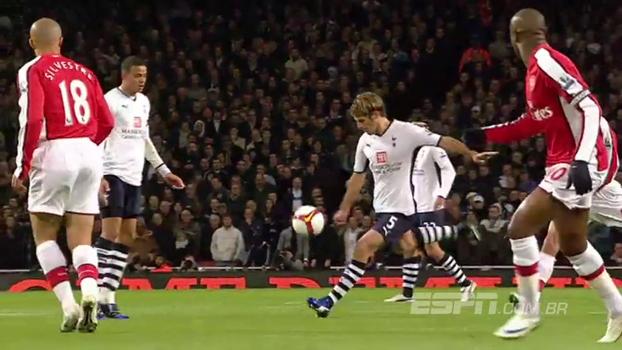 Com direito a cobertura da intermediária, Arsenal e Tottenham fizeram jogaço de oito gols em 2008